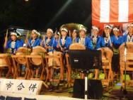 樽太鼓は6年生から5年生へ引き継がれ、地域外からもたくさんの方が訪れる町内の各種イベントで演奏しています。